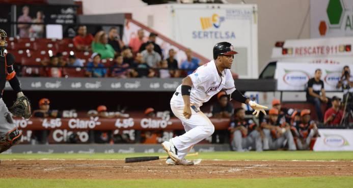 Gigantes vencen Leones y reasumen liderato en béisbol dominicano