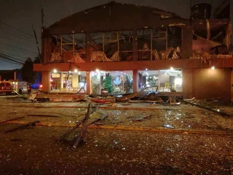 Al menos dos muertos tras explotar bombona de gas en restaurante de Quito
