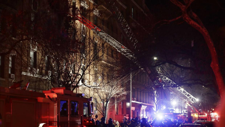 Al menos seis muertos en un incendio en un edificio de Nueva York