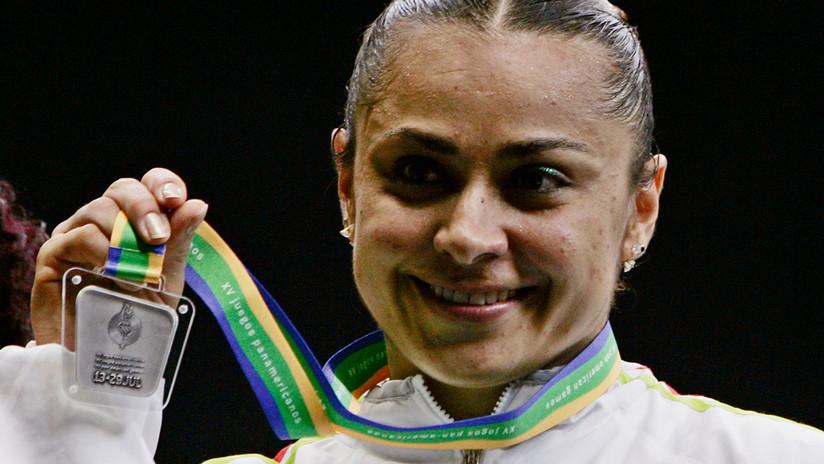 Una atleta mexicana recibe su medalla olímpica nueve años después