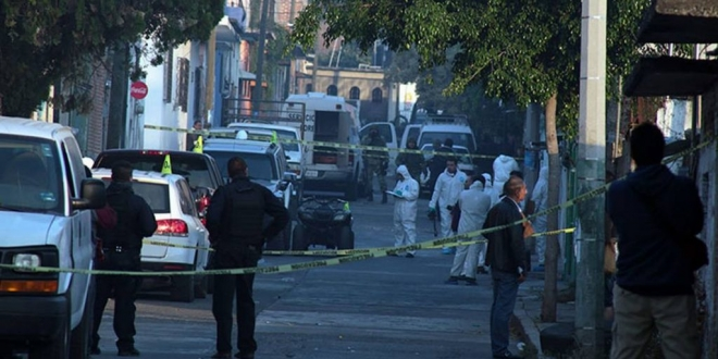 Tiroteo de policías y delincuentes deja cinco muertos en centro de México