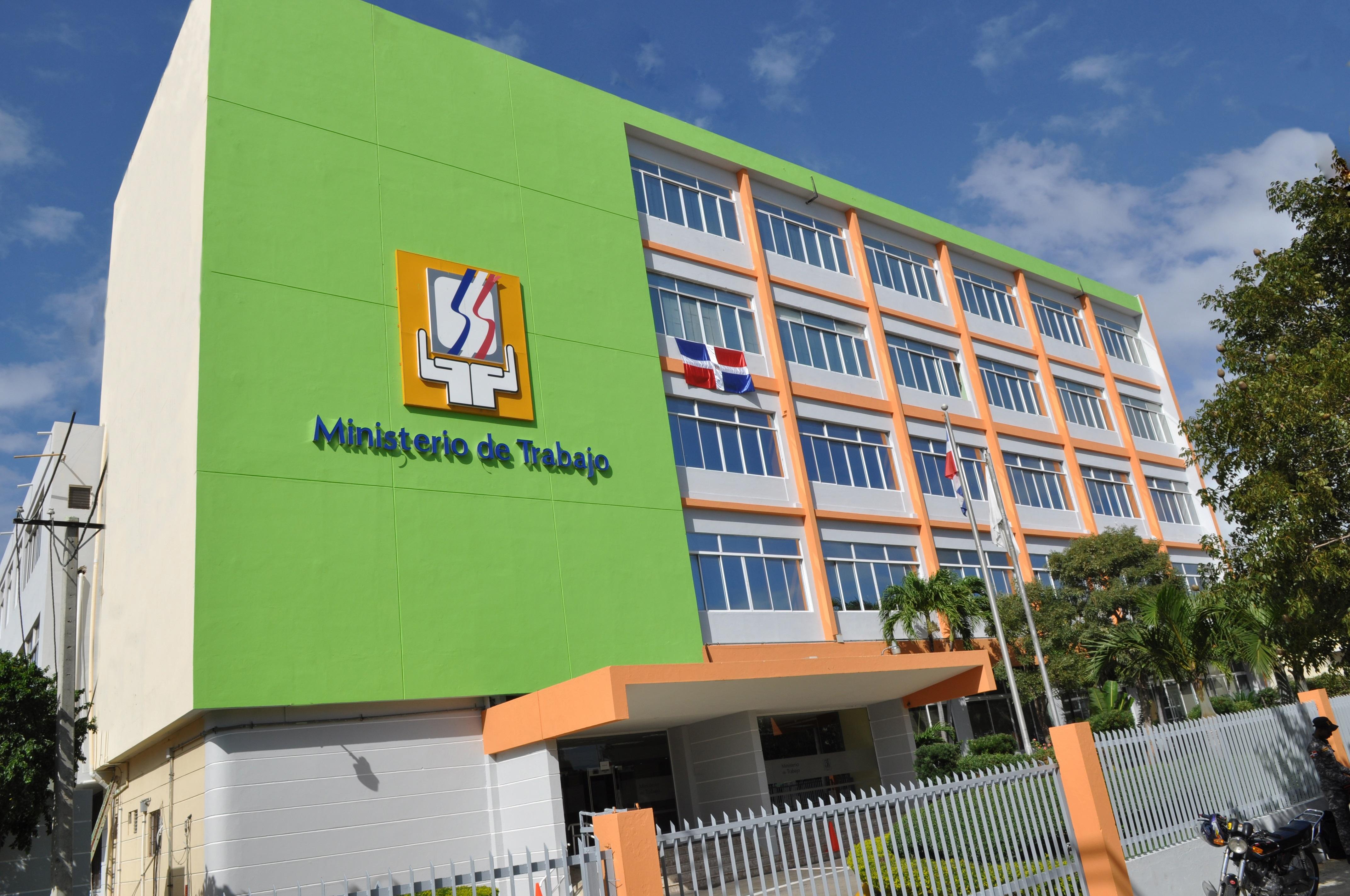 Ministerio de Trabajo da a conocer los días feriados para 2018