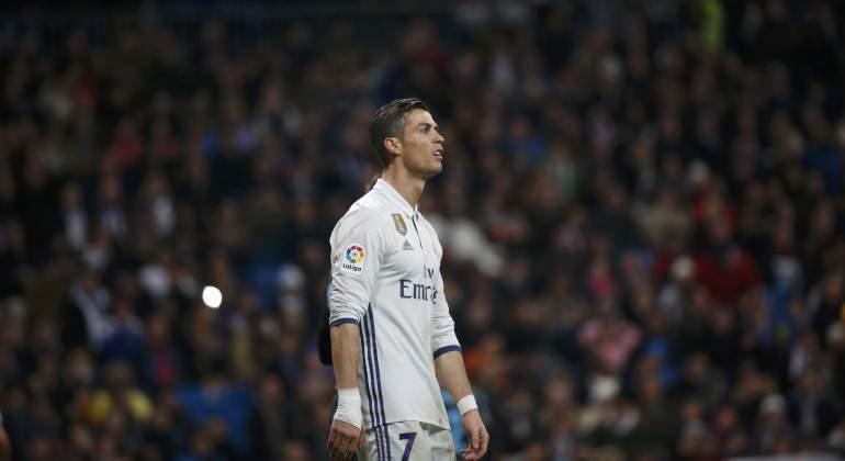 Cristiano Ronaldo planta cara a Messi con su quinto Balón de Oro