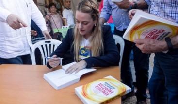 Presentan en Caracas el libro que Leopoldo López escribió en la cárcel