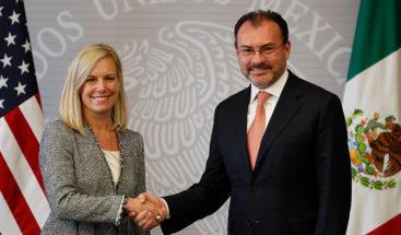 México y EE.UU. suscriben tres acuerdos para facilitar el comercio
