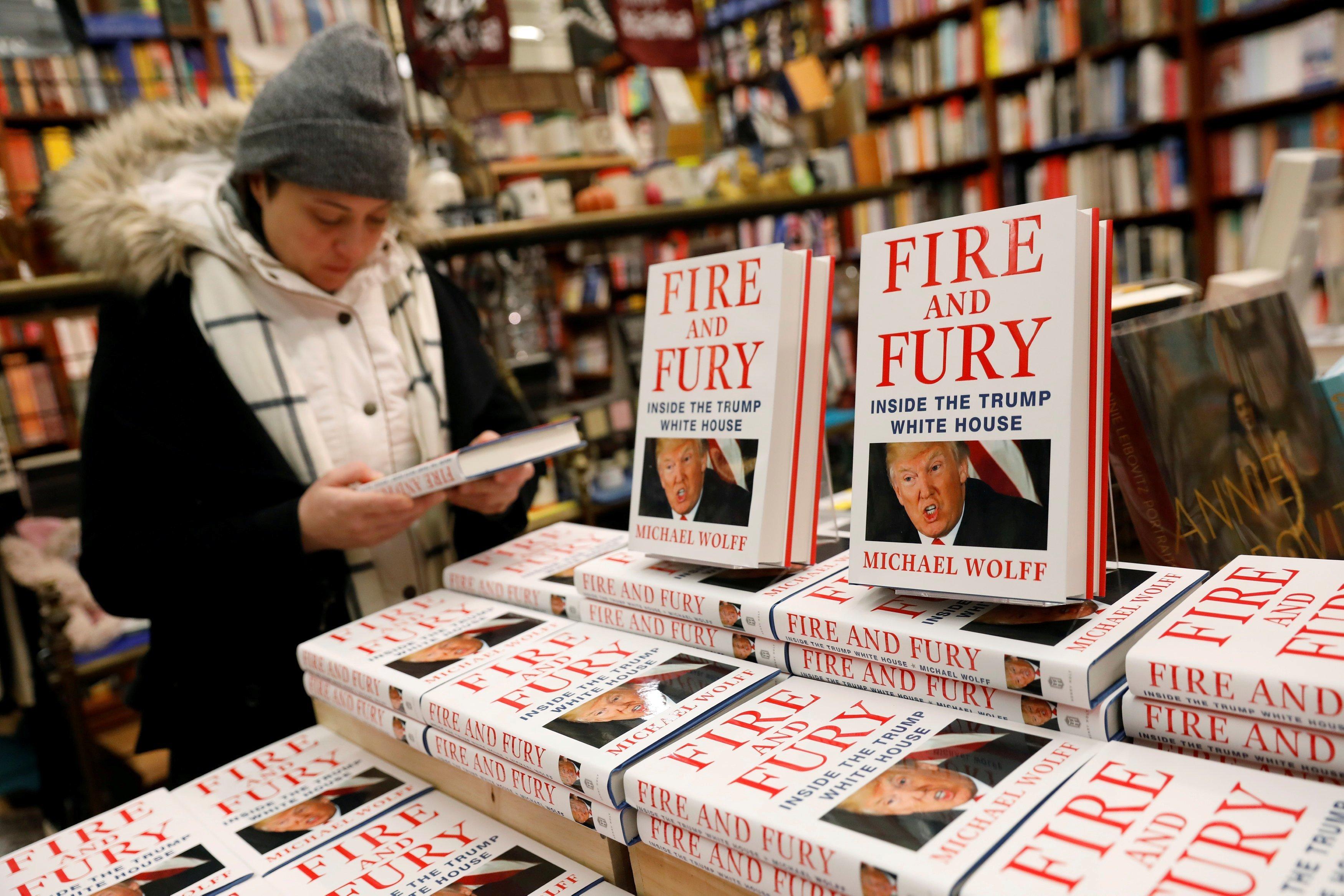 Jay Roach dirigirá serie de TV sobre libro de Trump