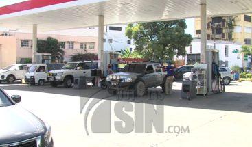 Reacciones negativas ante aumento de combustible entre 1 y 6 pesos