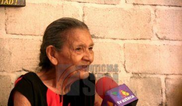 Mujer de 96 años se convierte en un ejemplo al graduarse de secundaria