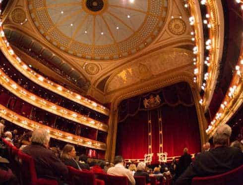 Músico gana una demanda a la Royal Opera House por pérdida auditiva