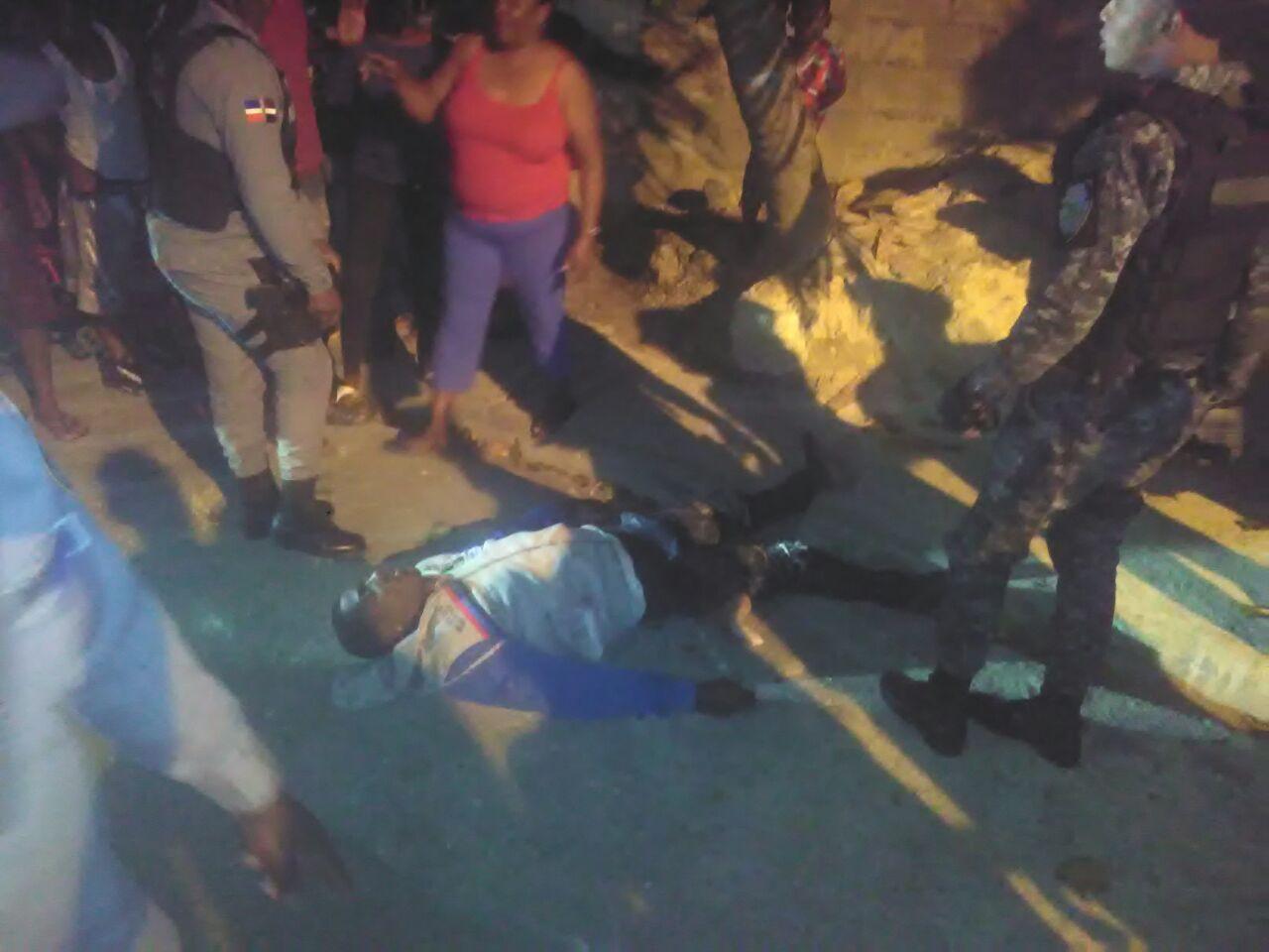 Multitud lincha presunto ladrón en sector El Invi