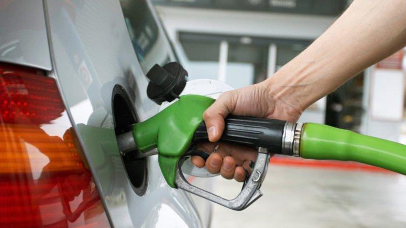 Precios de combustibles suben entre RD$1.00 y RD$6.00