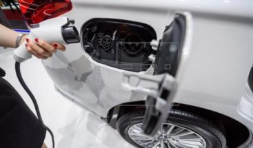 Nueva tecnología hará autos eléctricos carguen baterías sin detenerse