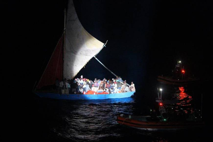 La Guardia Costera de EE.UU. repatría a 50 inmigrantes haitianos