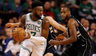 120-106. Jaylen Brown amplía ventaja de Celtics, superiores a Bucks