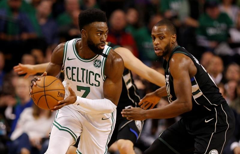120-106. Jaylen Brown amplía ventaja de Celtics, superiores a Bucks