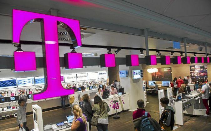 T-Mobile y Sprint acuerdan fusión en nueva firma valorada en 146.000 millones