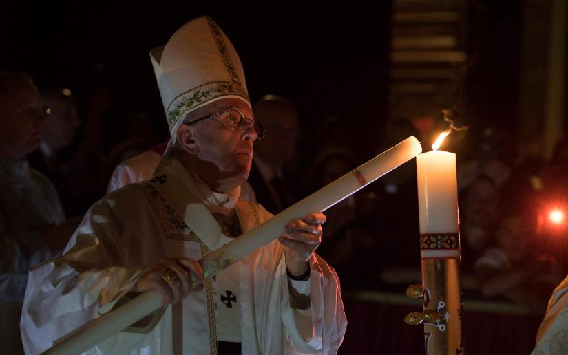 El Papa preside la Vigilia Pascual: Fiesta más importante de la Fe