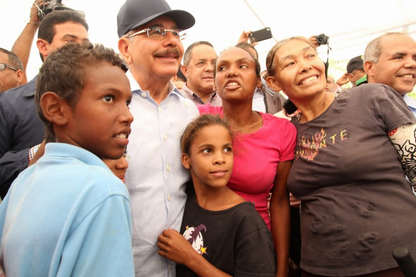 Presidente Medina realiza visita al sector Cienfuegos