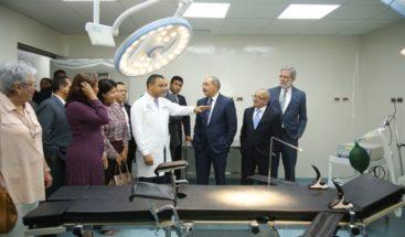 Medina entrega hospital municipal en Fantino, Sánchez Ramírez