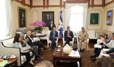 Presidente Medina revisa proyectos para desarrollo comunidades fronterizas