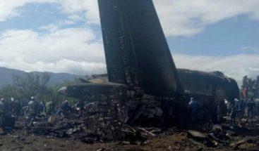 Mueren 257 personas al estrellarse avión militar argelino