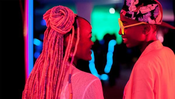 Kenia prohíbe un filme de amor entre lesbianas que se estrenará en Cannes