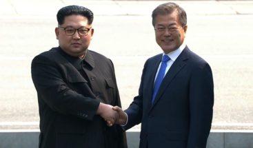 Moon y Kim se encuentran en la frontera para su histórica cumbre