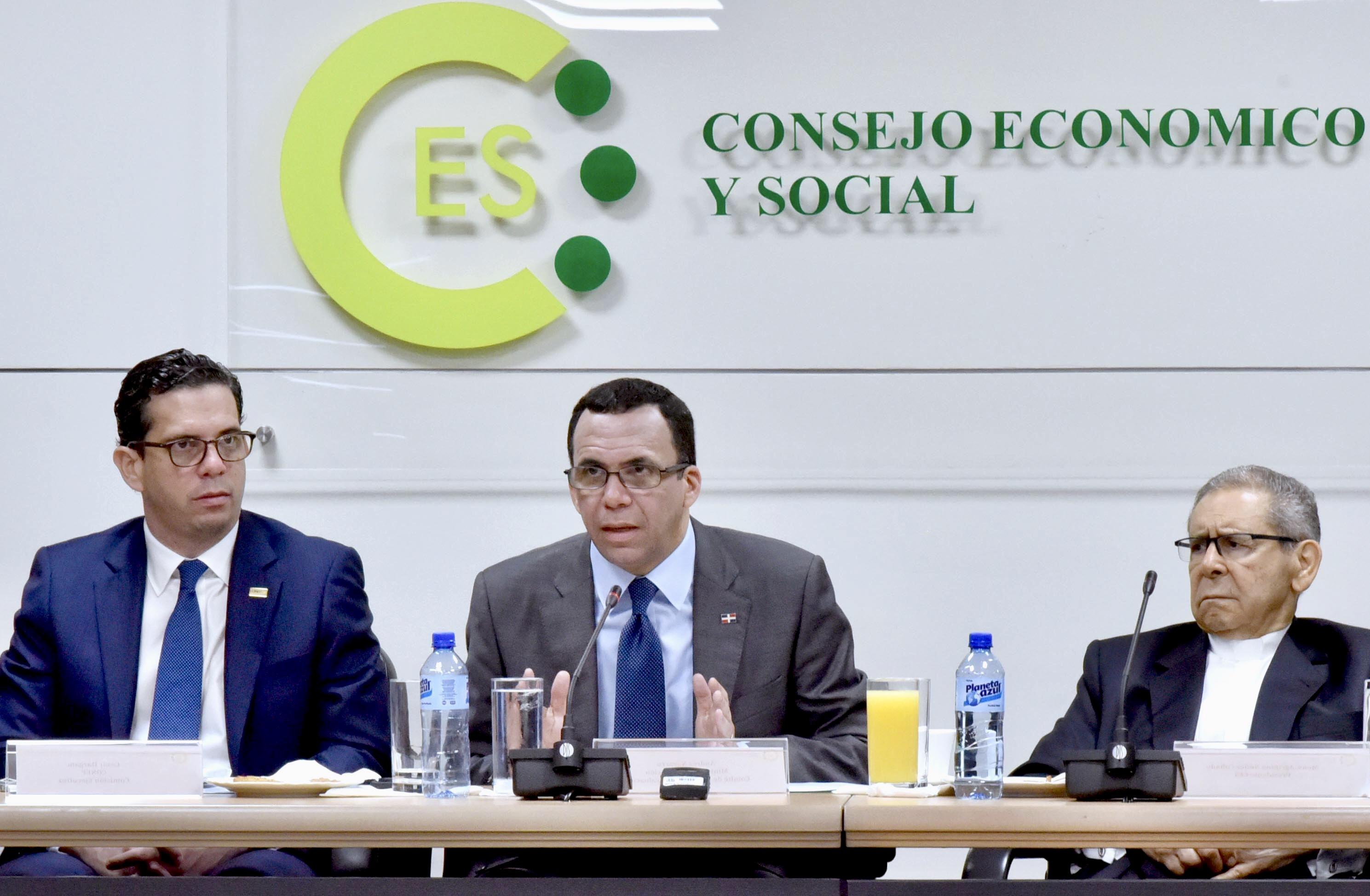 Navarro anuncia inicio de proceso concertación social para nueva ley de educación