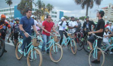 """Alcalde David Collado promueve ciclismo con """"Santo Domingo por la Tierra"""""""