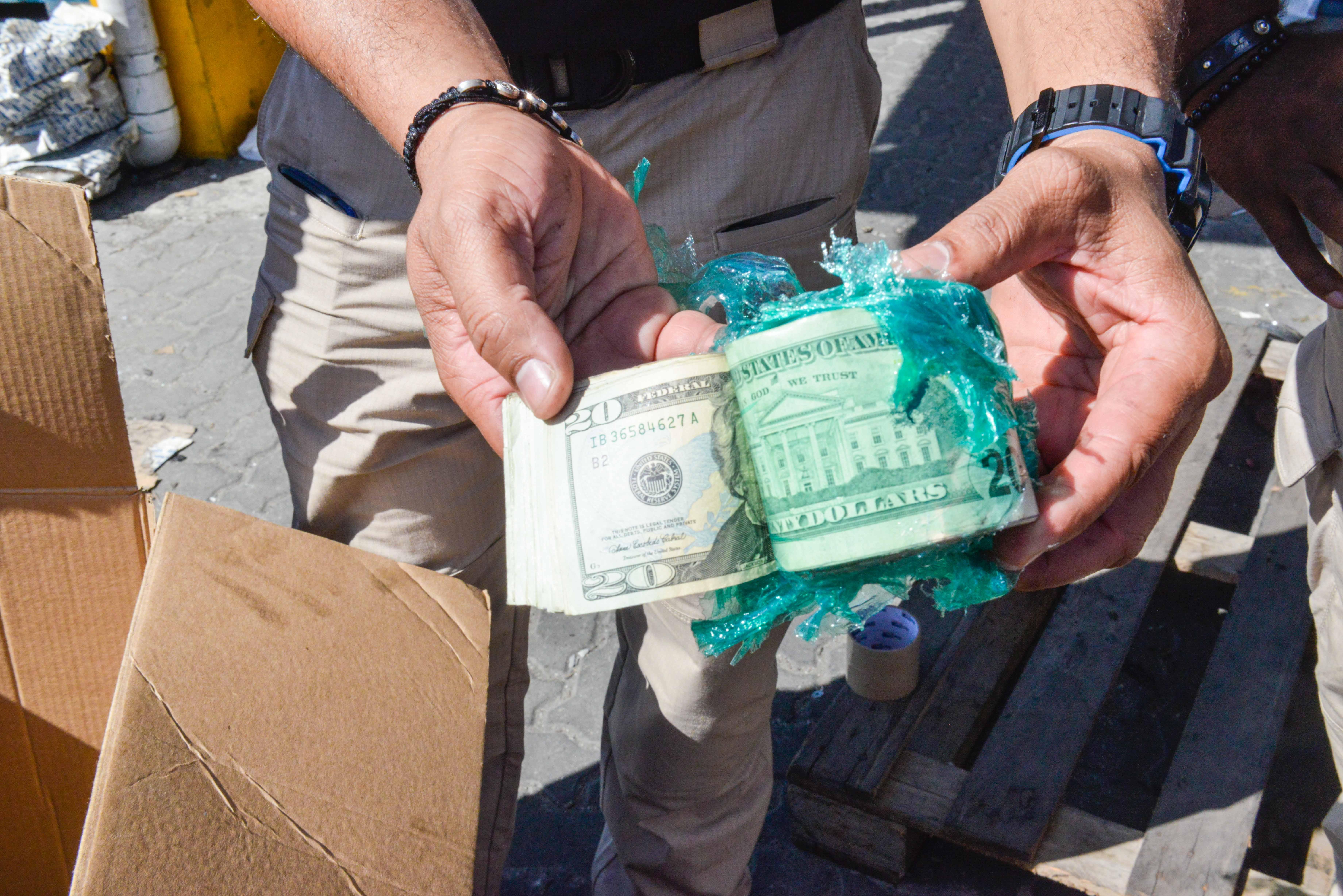 Aduanas halla US$1 millón 456 mil 570 dólaresdentro de piezas de repuesto