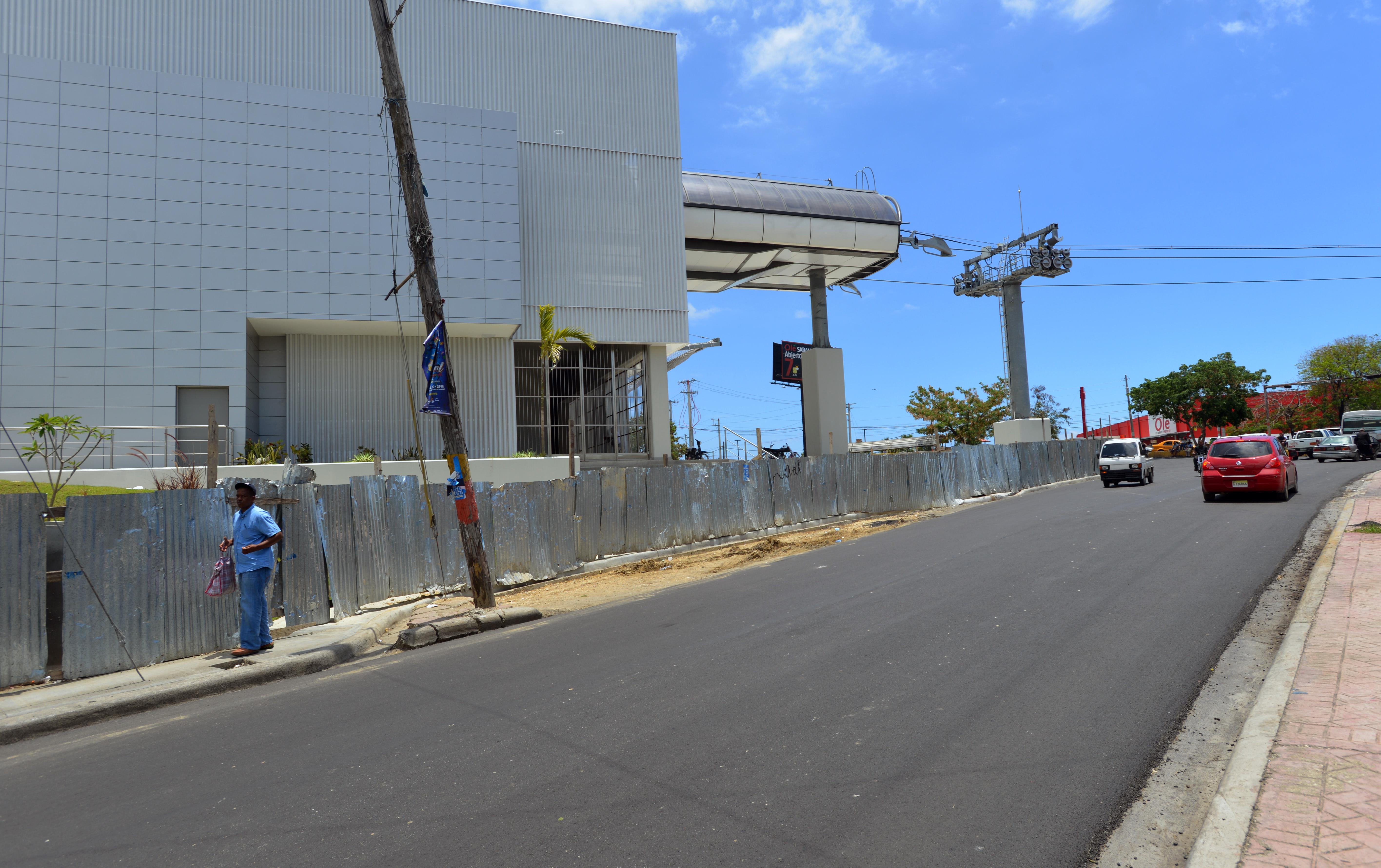 MOPC asfalta y acondiciona áreas contiguas a ruta del Teleférico