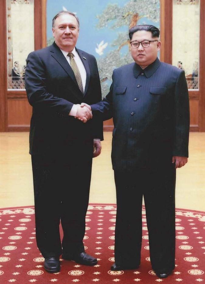 La Casa Blanca publica fotos del encuentro entre Pompeo y Kim Jong-un