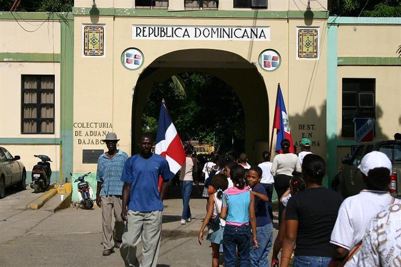 Ministro de Defensa:Más de 350 indocumentados son devuelto hacia Haití