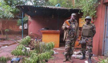 Grupo leal a Al Qaeda reivindica atentado contra base de ONU en Mali