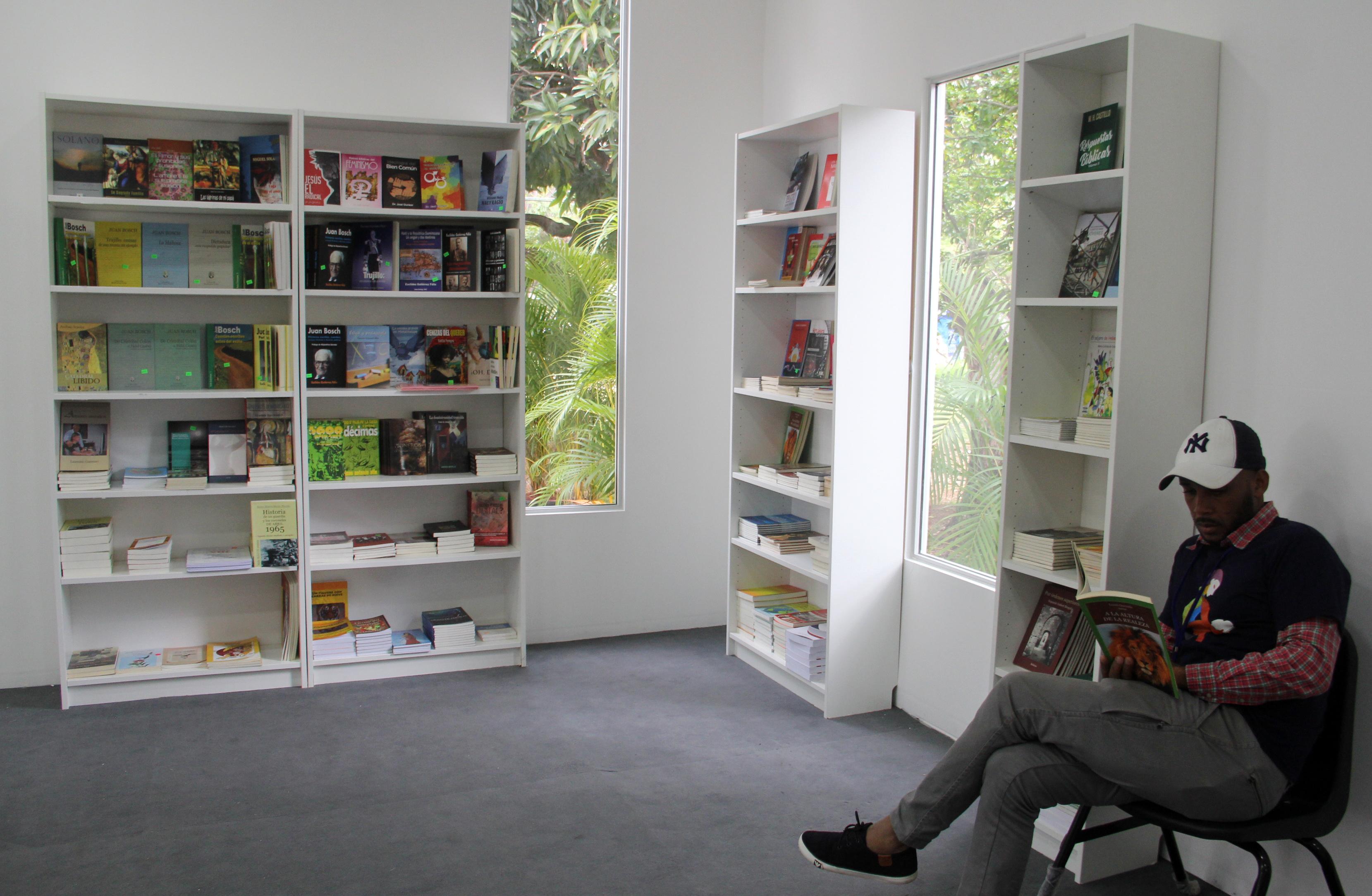 Pabellón de Autores Dominicanos, un espacio que promueve la literatura criolla