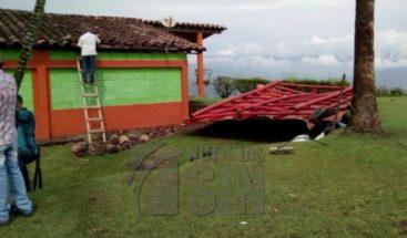 Dos personas muertas y ocho heridos por un rayo en Colombia