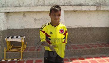 Futbolista sin manos se convierte en ejemplo de vida en Colombia
