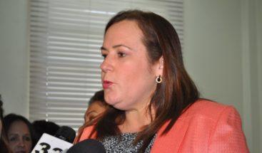 Janet Camilo dice hay que dar seguimiento al caso de Amet supuestamente se suicidó en Embajada EEUU