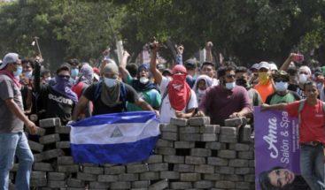 Gobierno de Nicaragua anula los recortes sociales que originaron una ola violenta y 28 muertos
