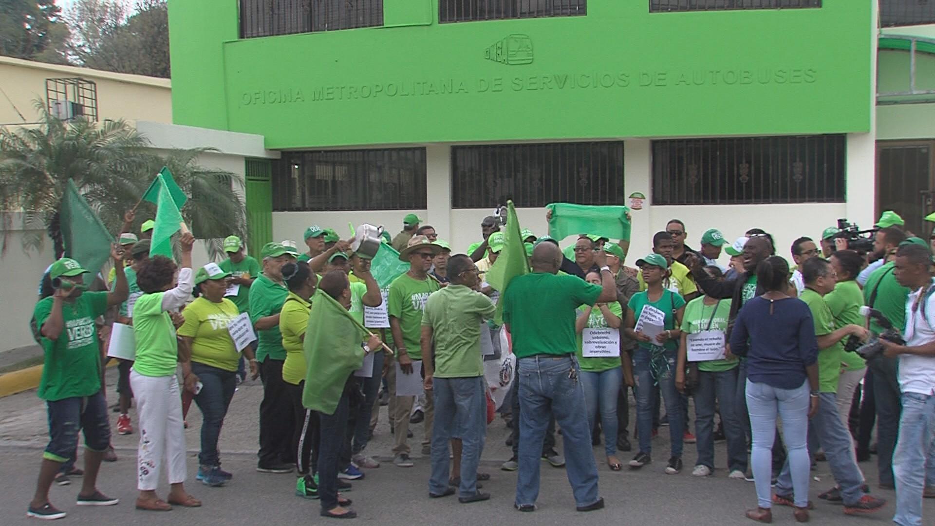 Representantes Marcha Verde protestan frente a la OMSA