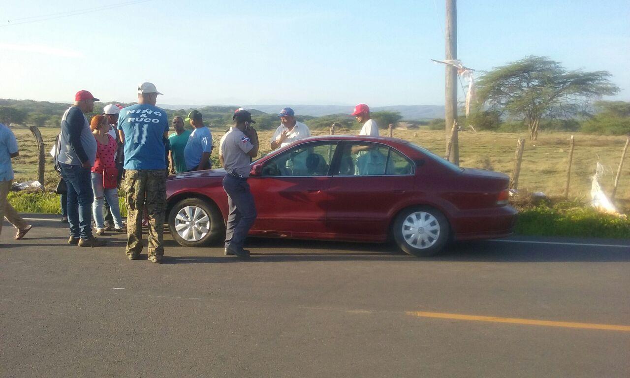 Encuentran muerto dentro de su vehículo a un profesor en Montecristi