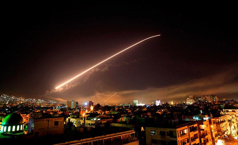Washington aprueba el ataque a Siria, pero lo ve insuficiente