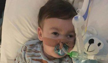 Los padres del bebé Alfie Evans recurrirán la negativa a trasladarle a Italia