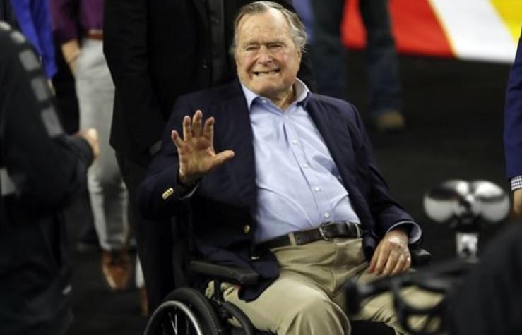 El expresidente Bush padre sale de cuidados intensivos