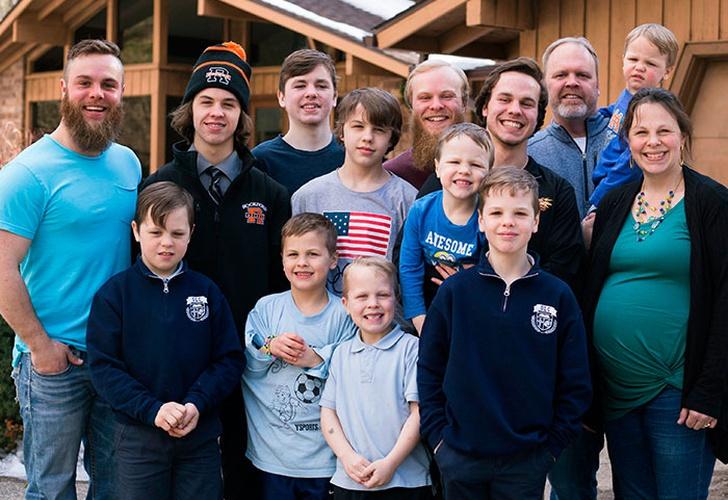Un matrimonio de EE.UU. anuncia nacimiento de decimocuarto hijo varón