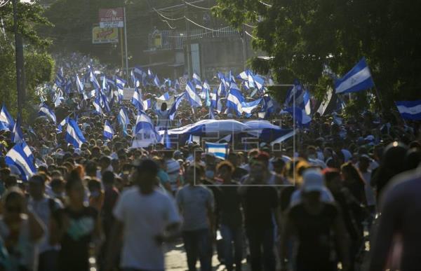 Expresidentes urgen a OEA intervenir tras muertes en protestas en Nicaragua