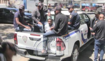 Investigan robo a camión de valores en Azua