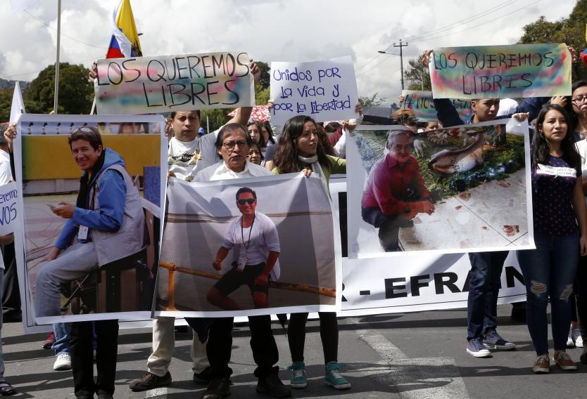 Ecuador dará información desclasificada a familias de periodistas asesinados