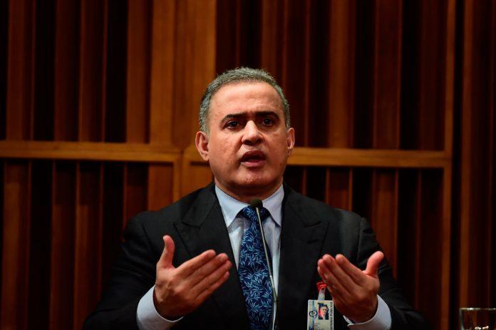 Trasladan a 72 reclusos del calabozo con motín de políticos presos en Caracas