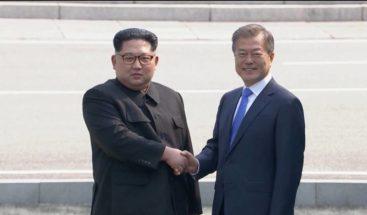 Los mandatarios coreanos Moon Jae-in y Kim Jong-un mantienen su segundo encuentro
